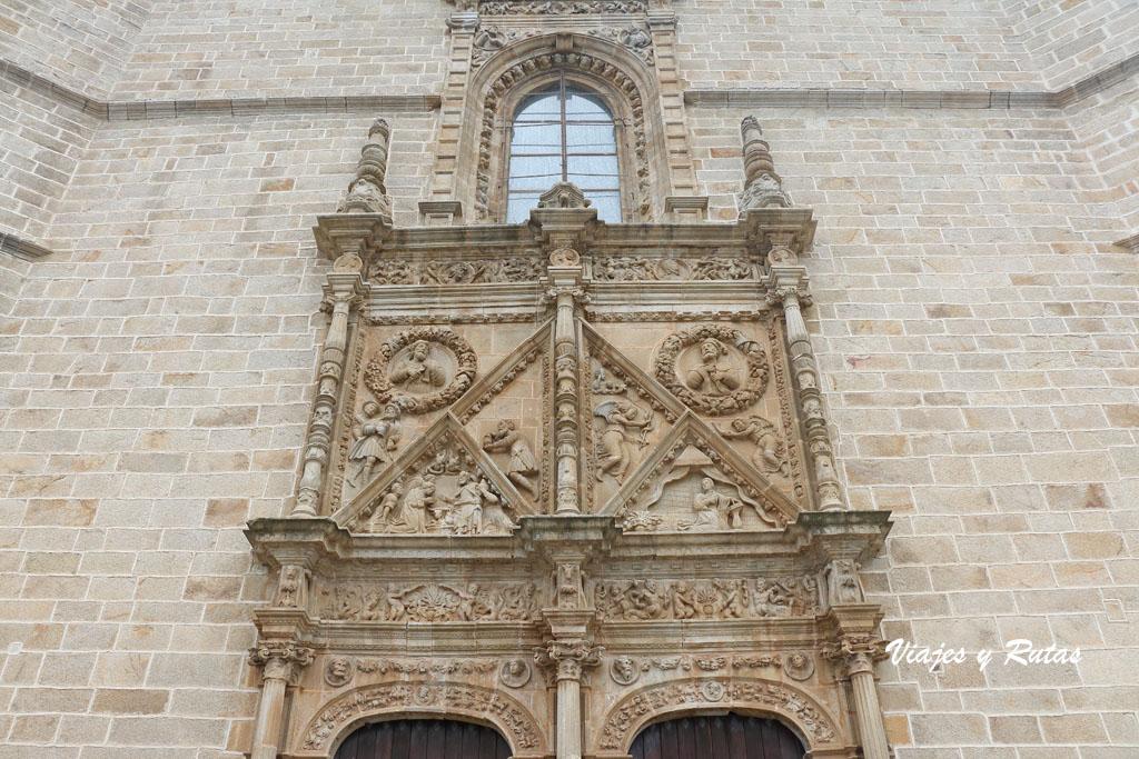 Puerta del Perdón de la Catedral de Coria