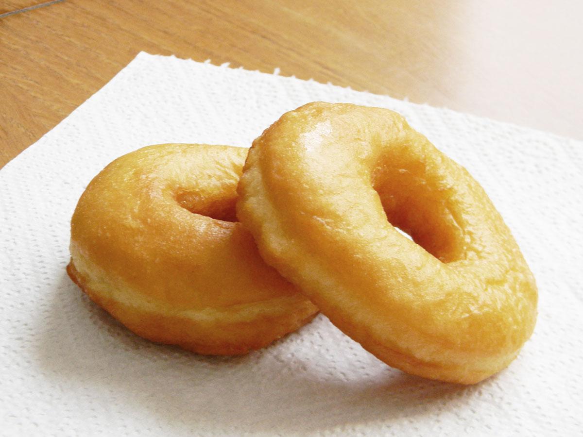 Comment faire ses donuts maison facilement - recette donuts nature facile
