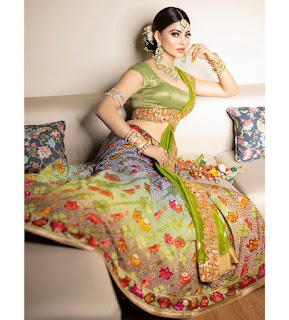 urvashi-bedazzled-in-traditional-look-bollywood-news-in-hindi