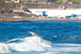 16 Ian Crane USA Azores Airlines Pro foto WSL Laurent Masurel