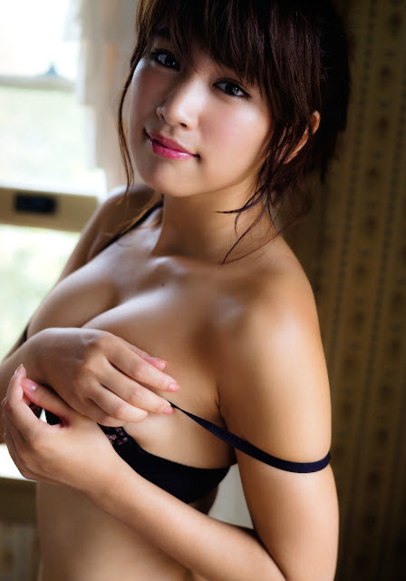 Hisamatsu Ikumi 久松郁実 La iku Photobook 18