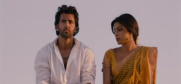 Screen Shot Of Hindi Movie Agneepath (2012) Download And Watch Online Free at worldfree4u.com