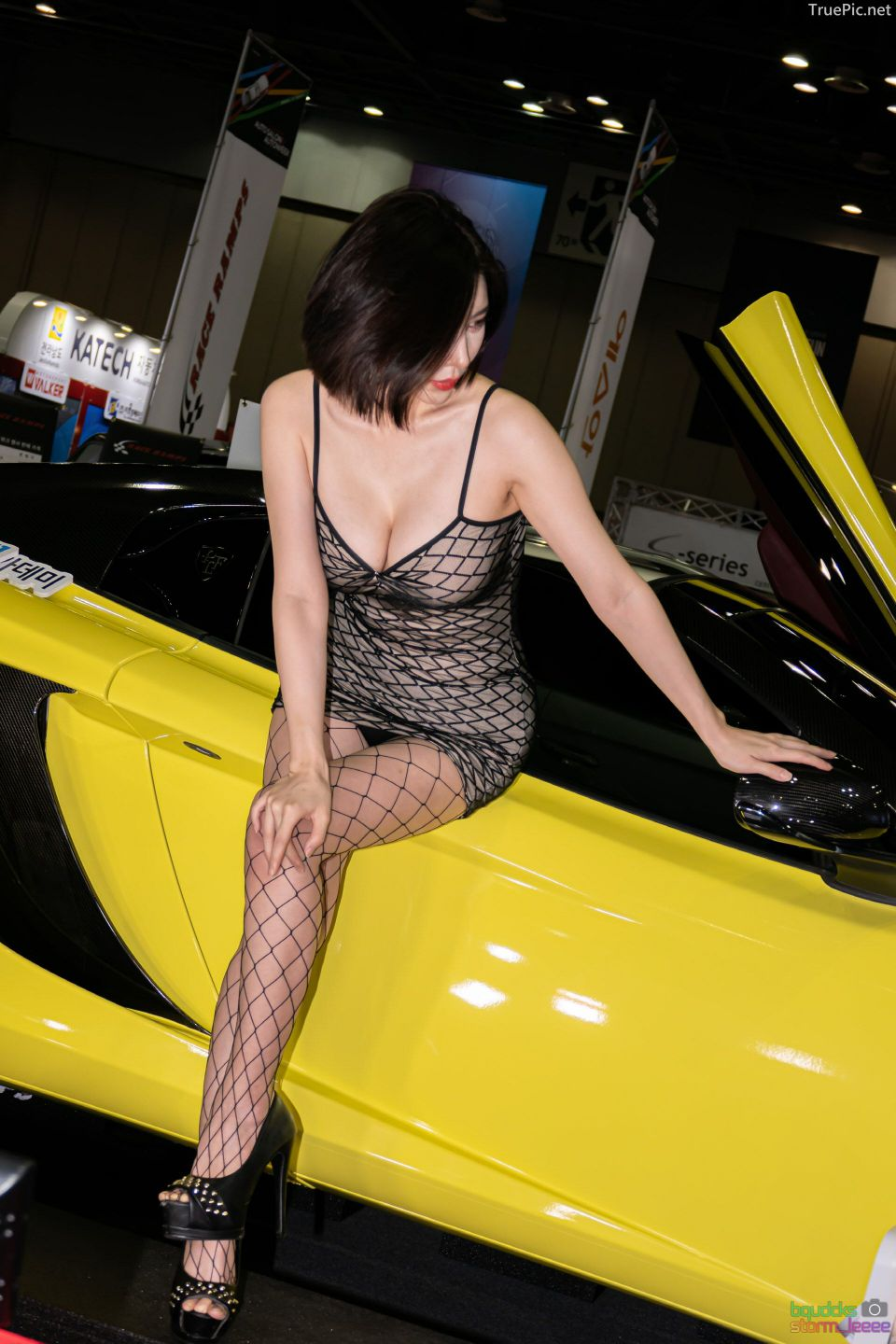 Korean Racing Model - Song Jooa - Seoul Auto Salon 2019 - Picture 10