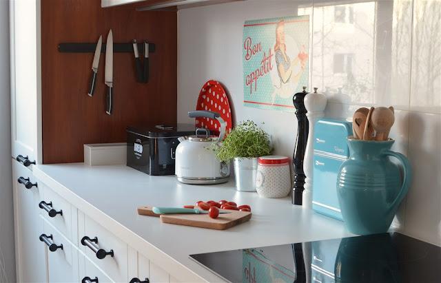 biała kuchnia white kitchen retro kitchen kuchnia retro