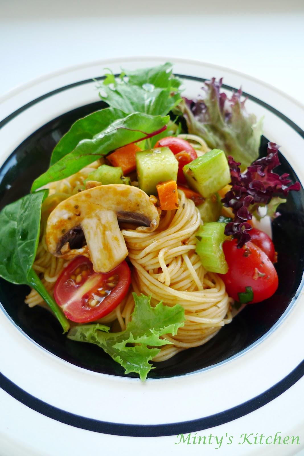 minty's kitchen sundried tomato pesto pasta salad