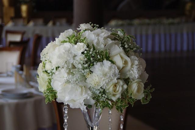 dekoracja wesele białe kwiaty Komorno