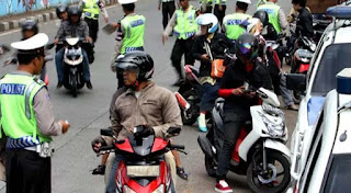 Pajak STNK Nunggak, Polisi tidak Berwenang sita SIM
