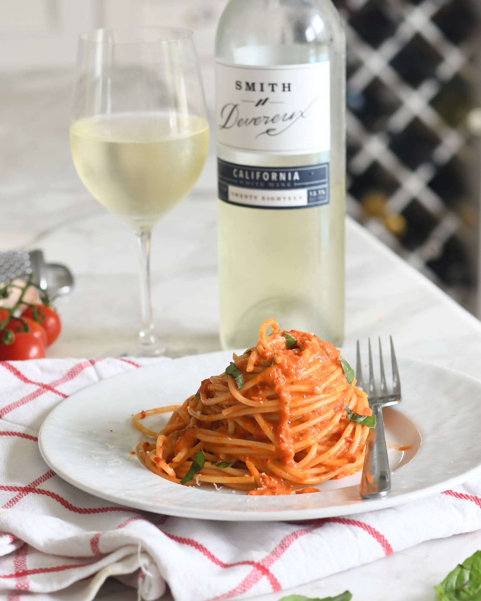 Spaghetti with Creamy Pepper and Tomato Sauce