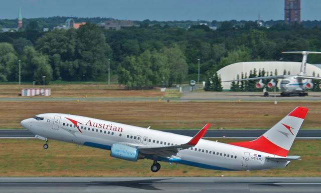 شركة الطيران النمساوية تنهج سياسة تقشف على حساب موظفيها
