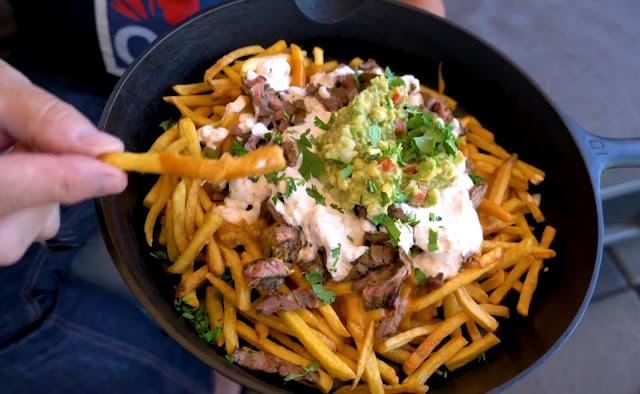 How to make carne asada fries