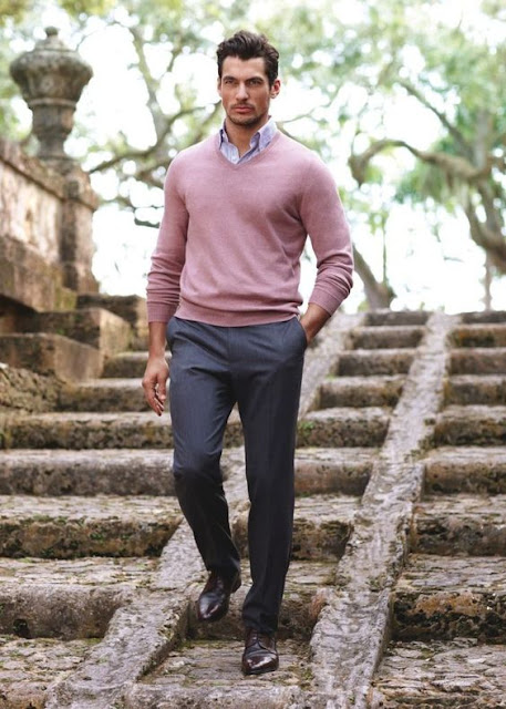 look masculino suéter rosa