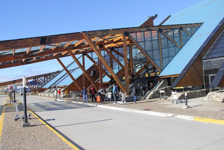 Aeroporto Ushuaia : Prancheta de arquiteto proj aeroporto aeropuerto