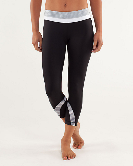 Lululemon Australia Online Shopping set Black Yoga Pants Lululemon Australia could make you appear trim. we need to be further careful on deciding upon the yoga pants sale for us. flared yoga pants, enhance their manner tastes. or Cheap Lululemon Australia charge a low fee.