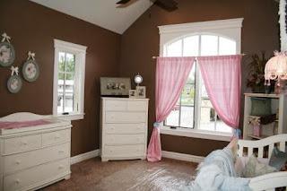 decoración en rosa y marrón dormitorio