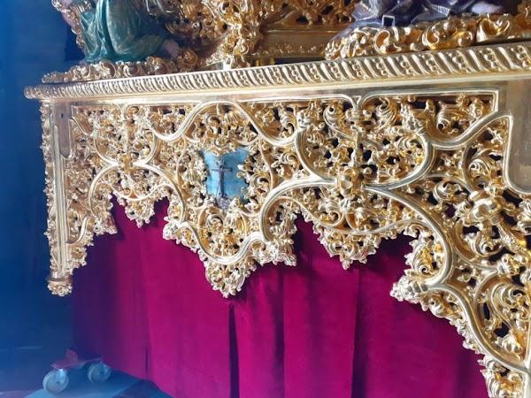 El paso de la Lanzada de Sevilla en su ultima fase de restauración