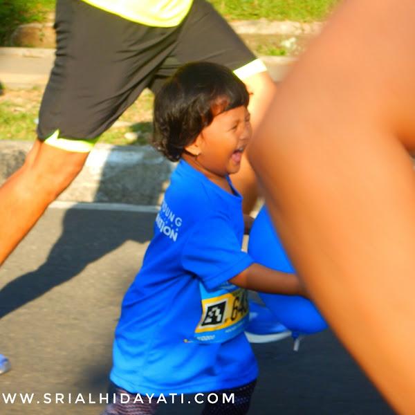 Melatih Kemandirian Track Lari Bagi Anak