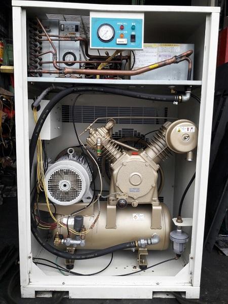 máy nén khí cũ toshiba 5.5 kw 7.5 hp hàng Nhật Bản
