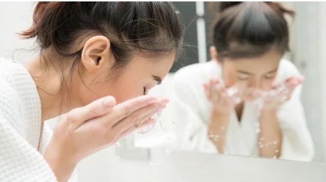 Lebih Cepat Mana Reaksinya, SKin Care Natural ata Berbahan Kimia?