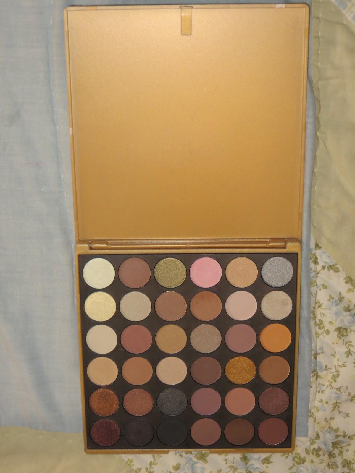 32 Color Lip Palette by Crown Brush #17