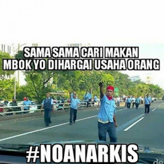 12 Meme Lucu tentang Aksi Demo Anarkis yang Dilakukan para Sopir Taxsi Blue Bird!