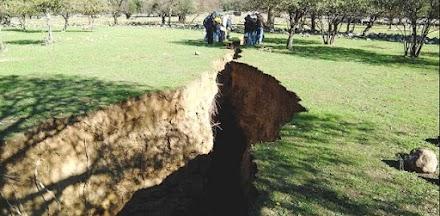 Νίσυρος: Κρατήρες και ρωγμές στο έδαφος - Τι σχέση έχουν με το ηφαίστειο (video)