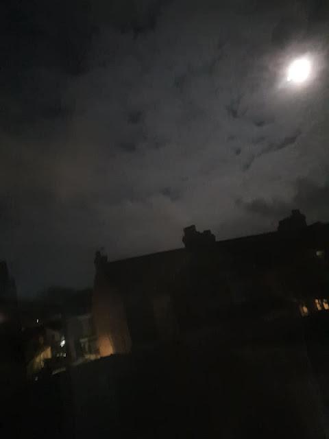 moon-cloudy-sky