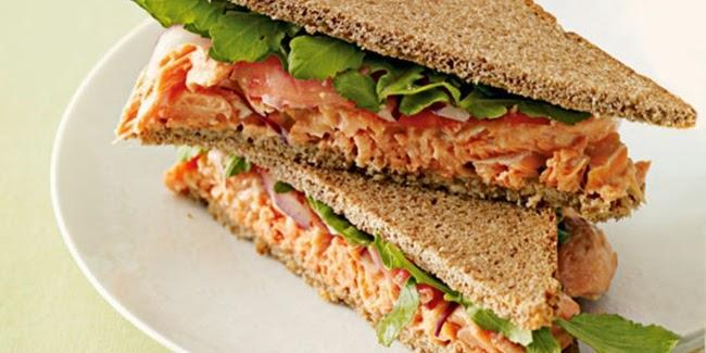 Sandwich Salmon Dengan Wasabi