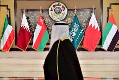 قادة الخليج يعزلون الجزائر ويعلنون الدعم الكامل لسيادة المغرب وتفعيل الشراكة الإستراتيجية مع المملكة