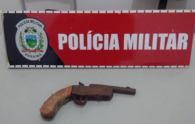 Menores são apreendidos com arma de fogo, no Mutirão, em Patos