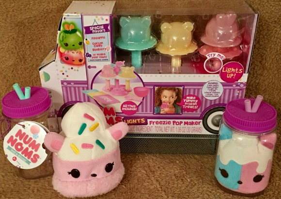 Num Noms Series 3 Starter Pack Ages 3 Marshmallows Fruits Donuts Rainbow Candy