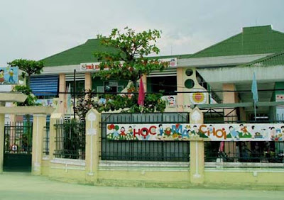Tên công trình:  Trường học Mẫu Giáo. Địa chỉ: Xã Ba, Huyện Đông Giang, Tỉnh Quảng Nam (onduline màu xanh)