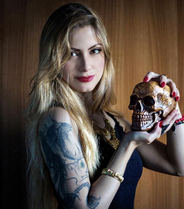 jackysimionato brunomusashi thiagoscap coisasdecaveira caveiras caveira skull skulls baralho cartas red maquiagem makeup tatuagem tattoo belohorizonte savassi littler gifs blonde loiras cabelos loiros goldhair blondhair