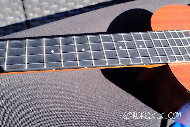 Enya EUC-X1M Concert Ukulele fingerboard