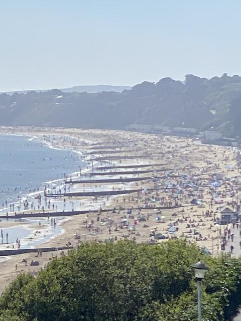 Английские пляжи в разгар пандемии 21-го Мая 2020 года