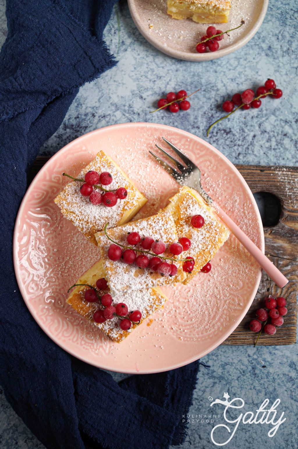 ciasto-z-kremem-i-owocami