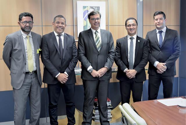André Ferreira leva prefeitos para tratar de parcerias com o ministro do Turismo, Gilson Machado