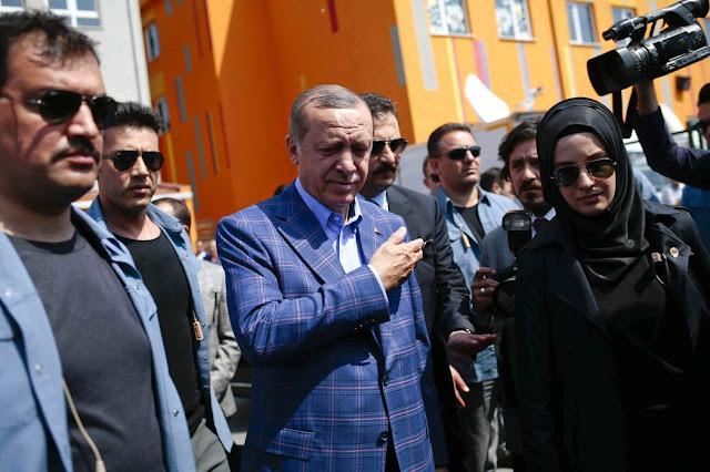 Τουρκία: Τα ερωτήματα μετά την πύρρειο νίκη του Σουλτάνου