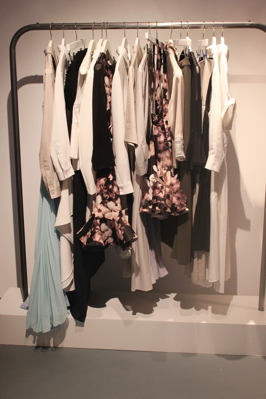 Georgie Minter-Brown, actress, blogger, london fashion week, designer showrooms, designer, clothes, fashion, youjia jin