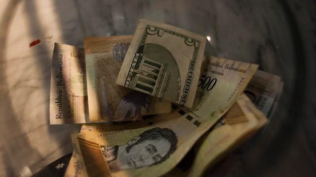 Ni los dólares salvan a venezolanos de la ira inflacionaria