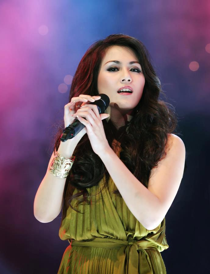 Penyanyi Jazz Wanita Indonesia : penyanyi, wanita, indonesia, Foto-Foto, Sierra, Penyanyi, Cantik, Mempesona, Berita, RIZALmedia