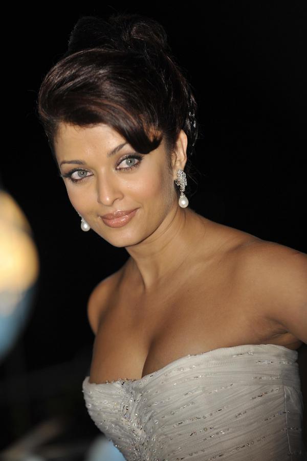 Hot sexy pics of aishwarya rai
