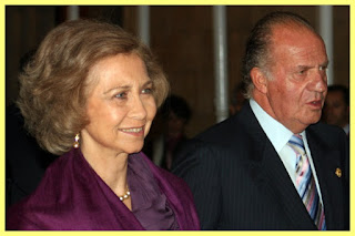 Juan Carlos I junto a la reina Sofía