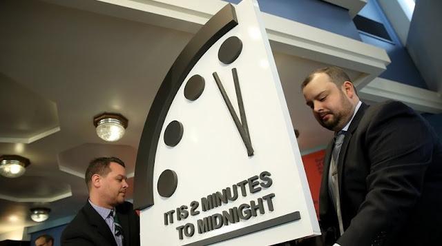 Το Ρολόι της Αποκάλυψης έδειξε δύο λεπτά πριν τα μεσάνυχτα
