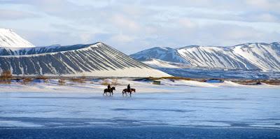 Montar a caballo por la zona de mytvan en abril