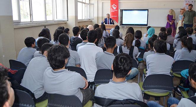 Diyarbakır'da okullarda bilinçlendirme semineri verildi