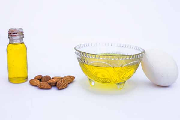 Fenugreek seeds and almond oil