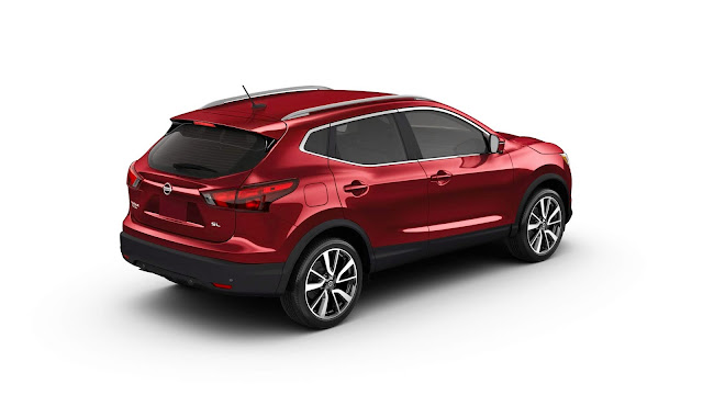Rear 3/4 view of 2018 Nissan Rogue Sport