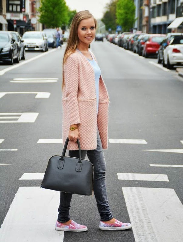 Autumn 2014 Outfit Details: Pastel Pink Cardigan with Grey Color