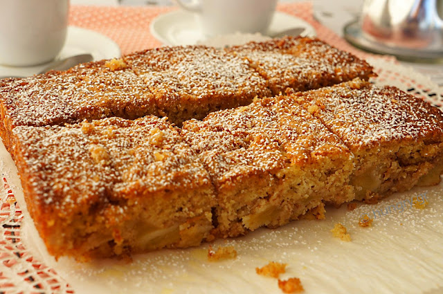 Muesli Apple Cake