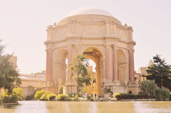 San Francisco Bucket List - snap some photos of the Palace of Fine Arts, and admire the beautiful architecture